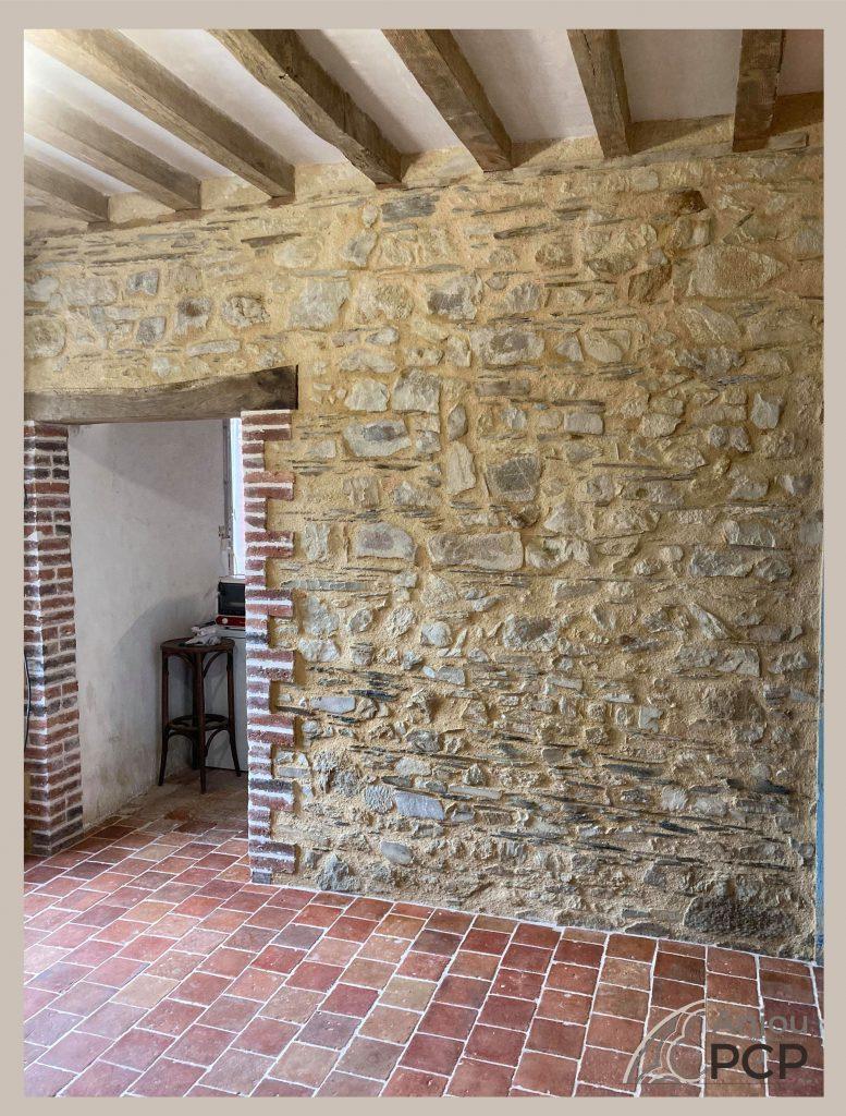 Enduit traditionnel, taille de pierre, maçonnerie traditionnelle, rénovation, bâti ancien   Anjou PCP   Nous contacter
